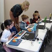 Perkembangan Keterlibatan Teknologi Dalam Kegiatan Pendidikan